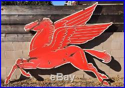 VTG Mobil Pegasus Gas Figural Sign Left Porcelain Original Flying Horse 1946